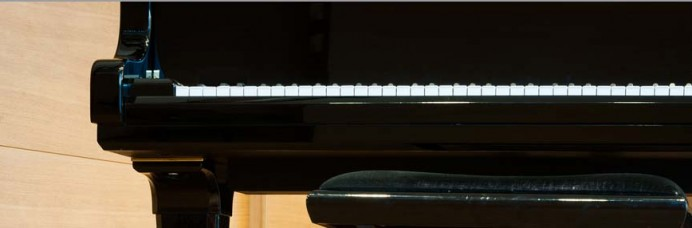 grand piano keyboard